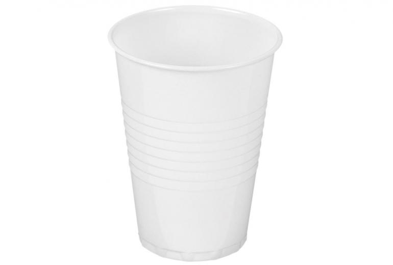 Plastic cups (white)